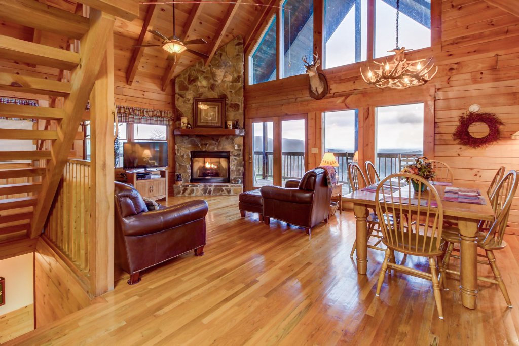 Photo of a Sevierville Cabin named A Point Of View Cabin - This is the first photo in the set.