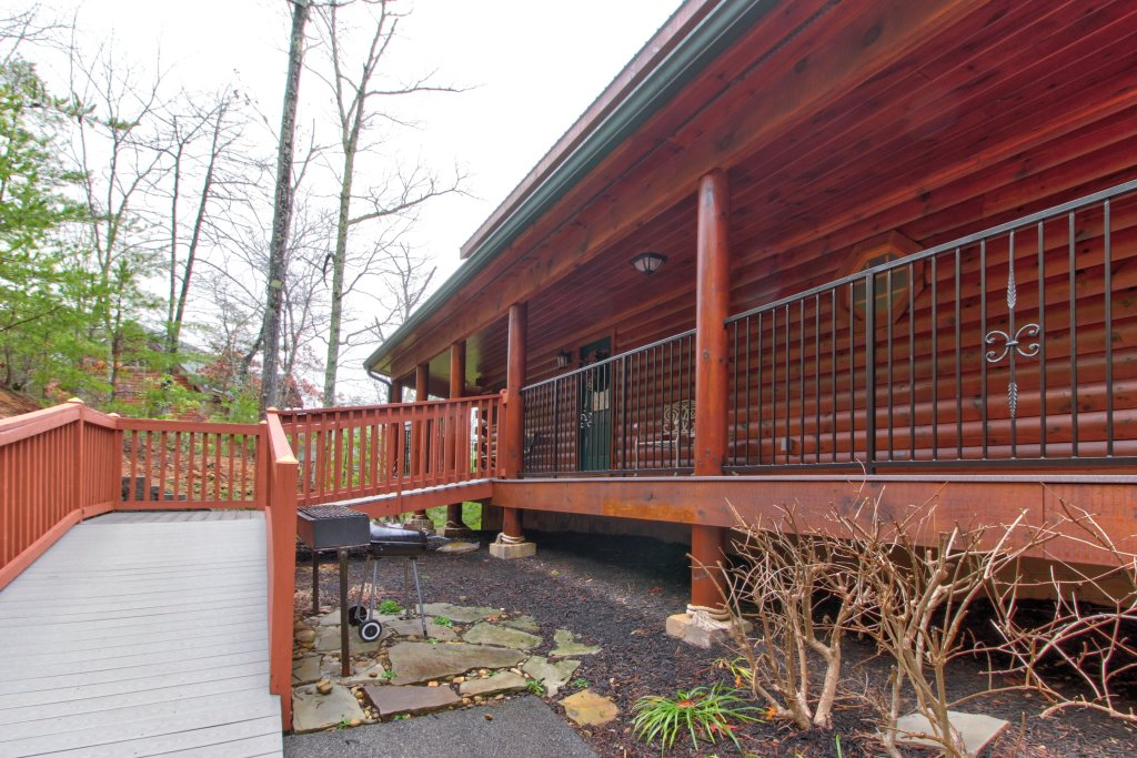 Photo of a Sevierville Cabin named Inspiration Point Cabin - This is the forty-fifth photo in the set.