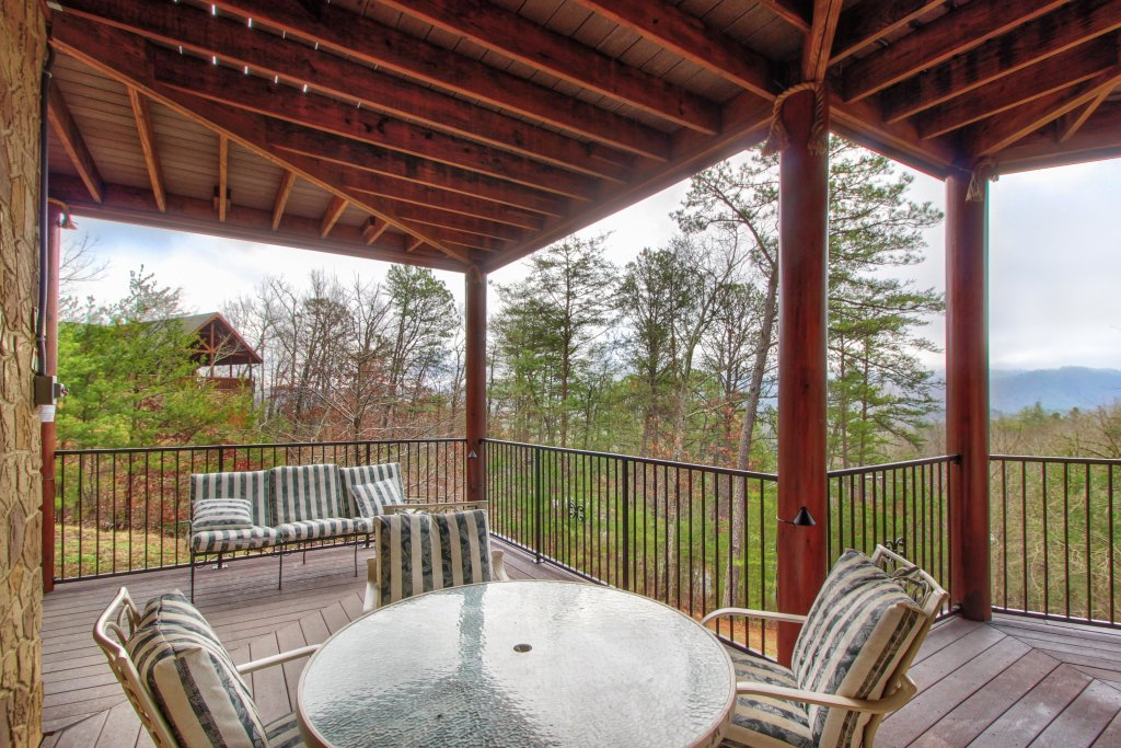 Photo of a Sevierville Cabin named Inspiration Point Cabin - This is the twenty-fifth photo in the set.