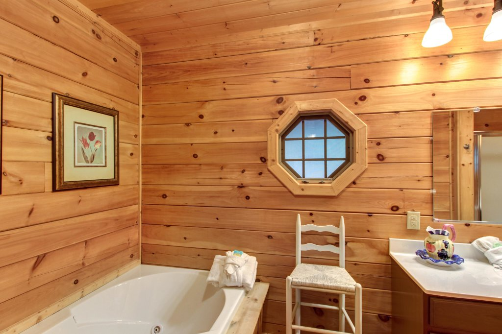 Photo of a Sevierville Cabin named Inspiration Point Cabin - This is the thirty-third photo in the set.