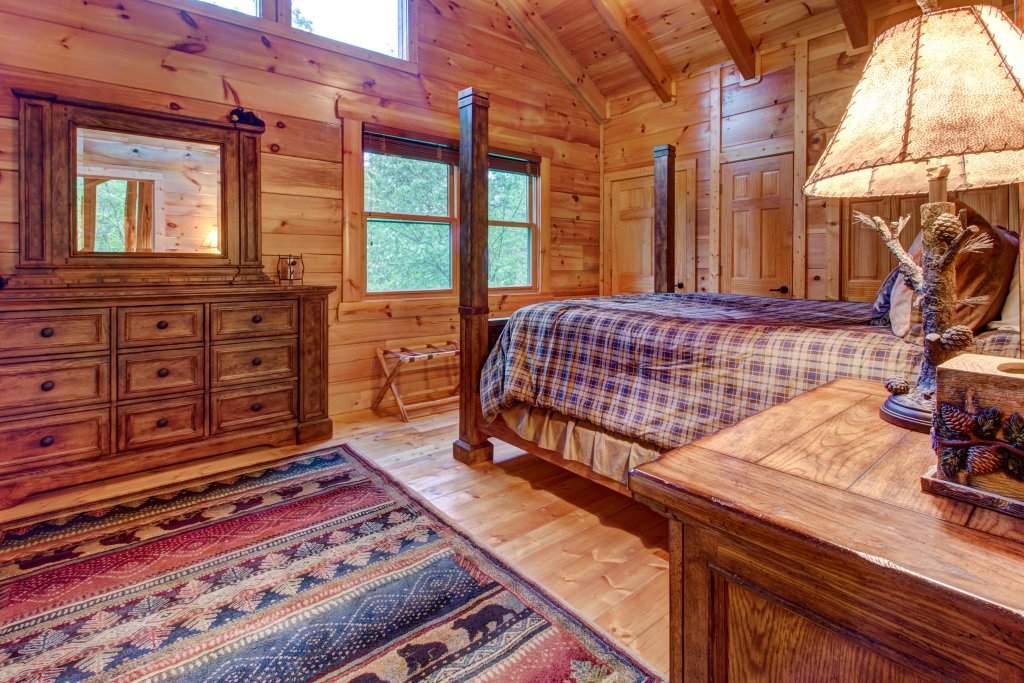 Photo of a Sevierville Cabin named Serenity Cabin - This is the twenty-seventh photo in the set.