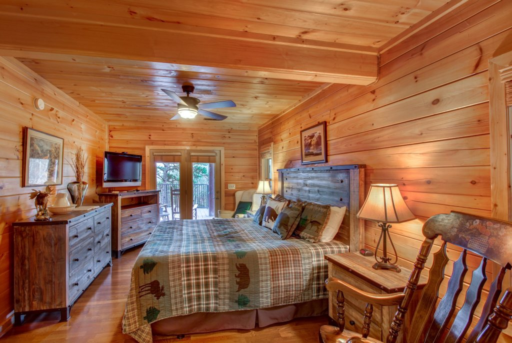 Photo of a Sevierville Cabin named Inspiration Point Cabin - This is the thirty-second photo in the set.