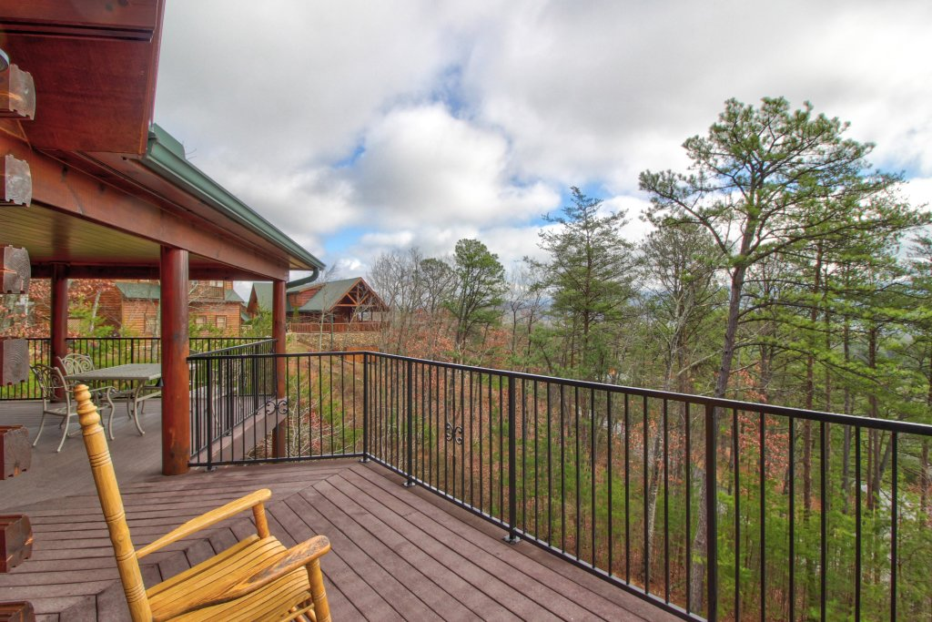 Photo of a Sevierville Cabin named Inspiration Point Cabin - This is the twenty-seventh photo in the set.
