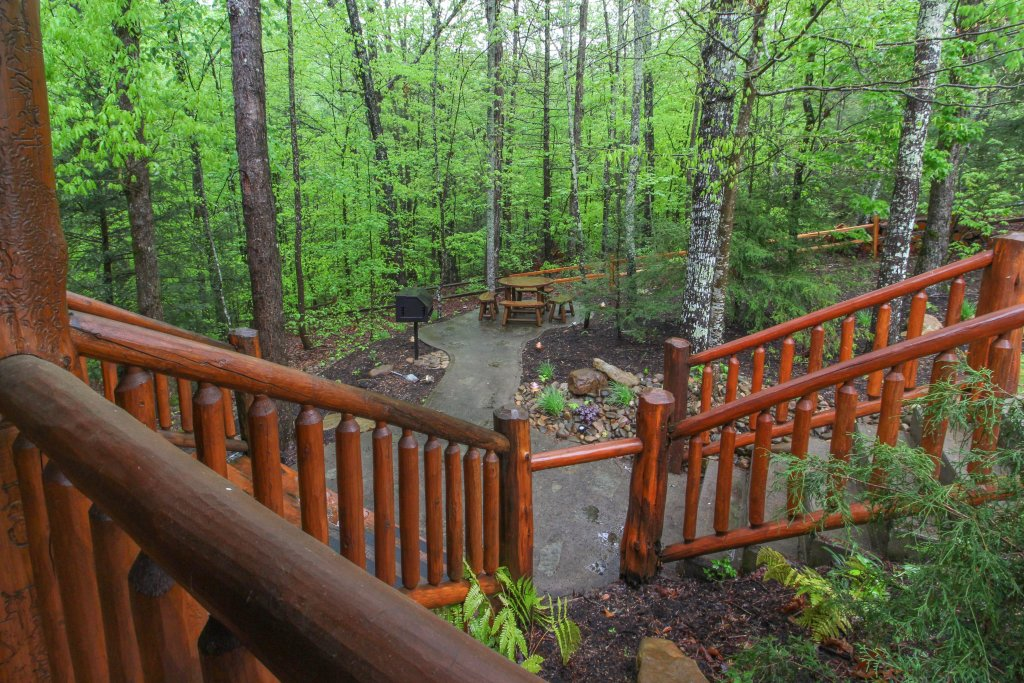 Photo of a Sevierville Cabin named Serenity Cabin - This is the thirty-seventh photo in the set.