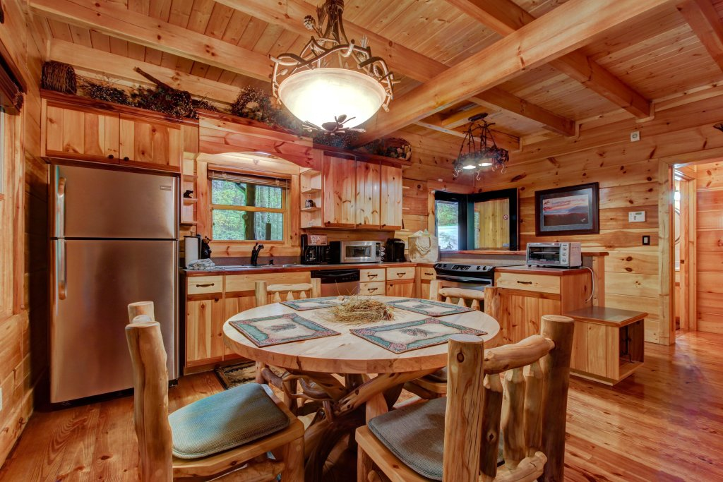 Photo of a Sevierville Cabin named Serenity Cabin - This is the fourteenth photo in the set.