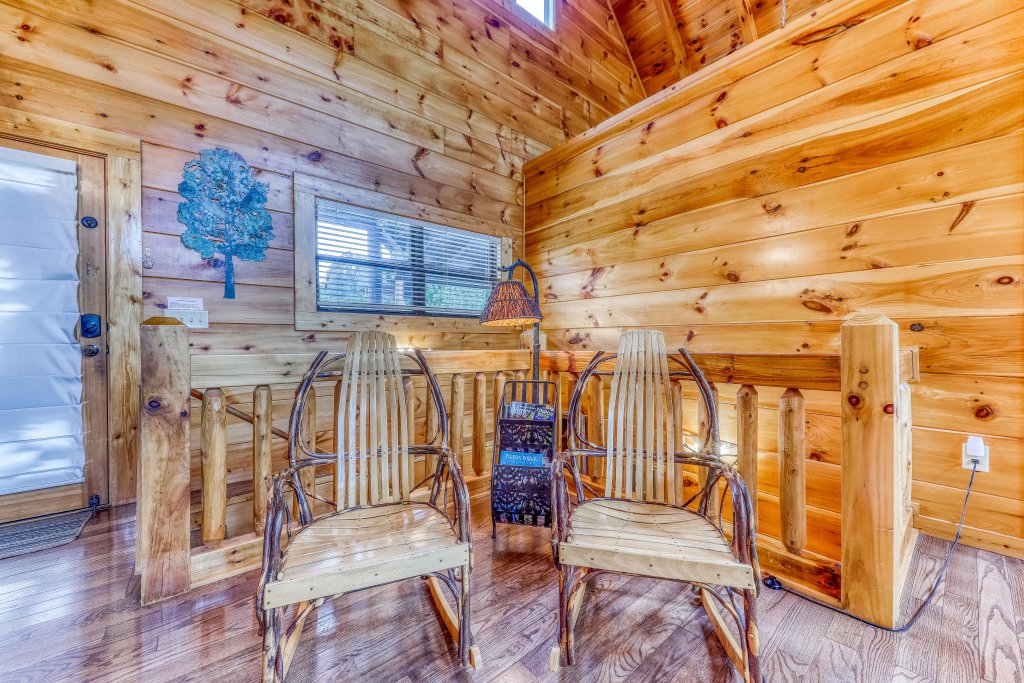 Photo of a Sevierville Cabin named Hogwartz Of The Smokies Cabin - This is the sixteenth photo in the set.