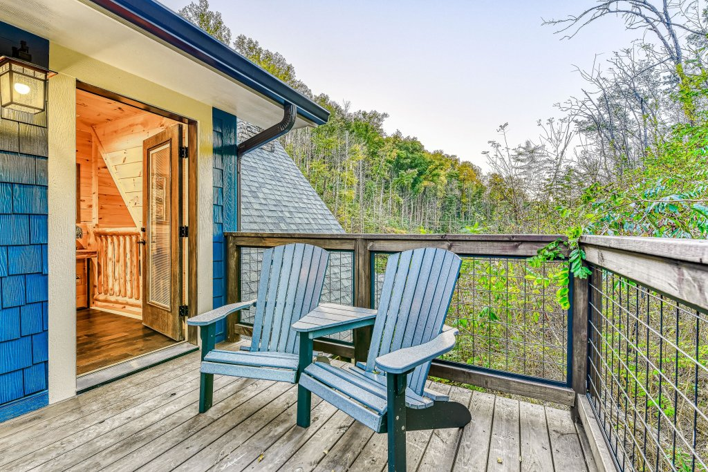 Photo of a Gatlinburg Cabin named The Blue Spruce - This is the second photo in the set.