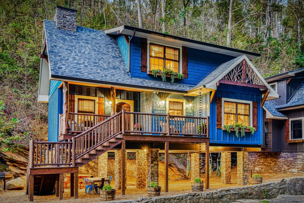Photo of a Gatlinburg Cabin named The Blue Spruce - This is the first photo in the set.