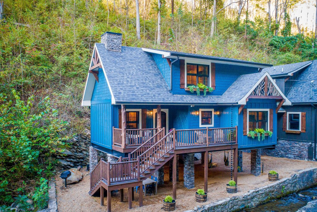 Photo of a Gatlinburg Cabin named The Blue Spruce - This is the forty-second photo in the set.