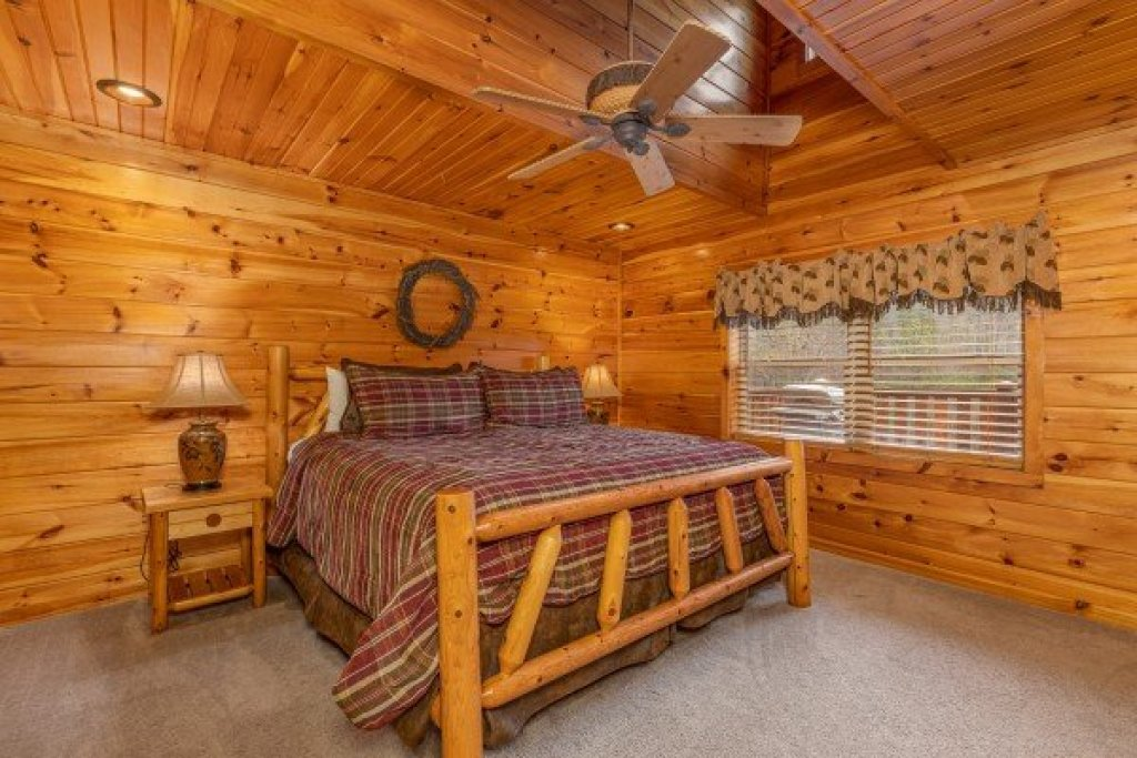 Photo of a Sevierville Cabin named Rainbow's End - This is the twenty-first photo in the set.