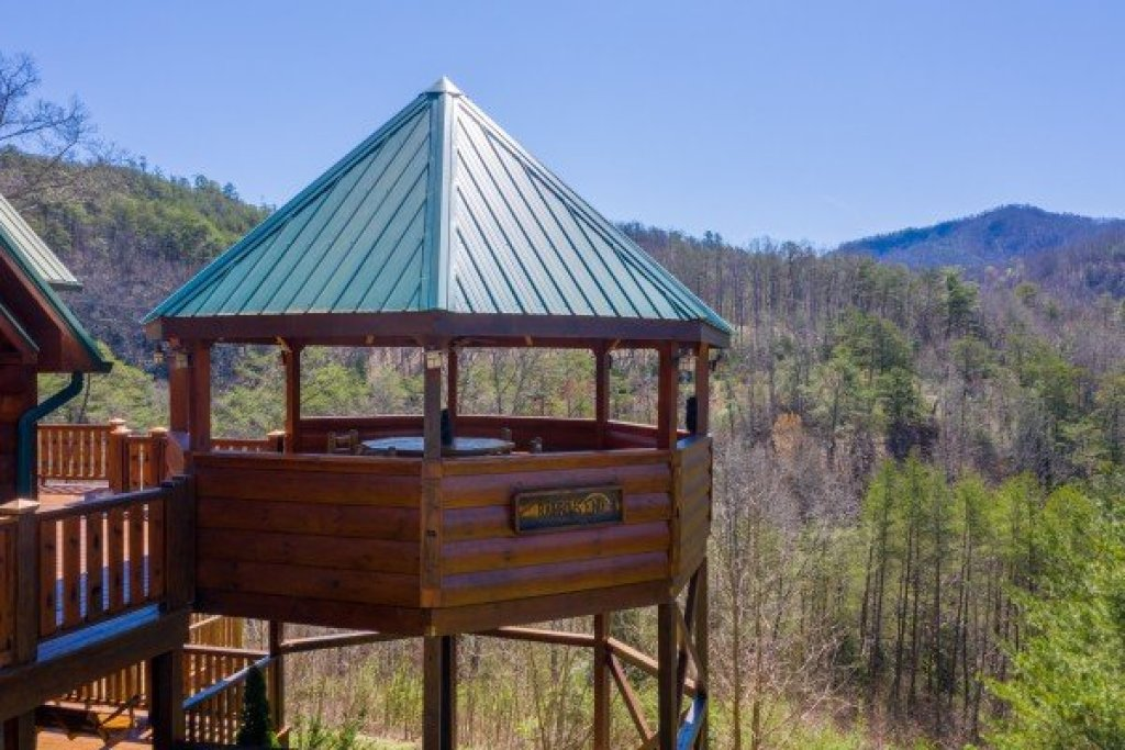 Photo of a Sevierville Cabin named Rainbow's End - This is the forty-seventh photo in the set.