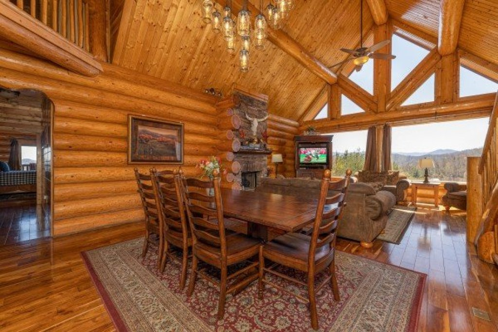 Photo of a Sevierville Cabin named God's Country - This is the tenth photo in the set.