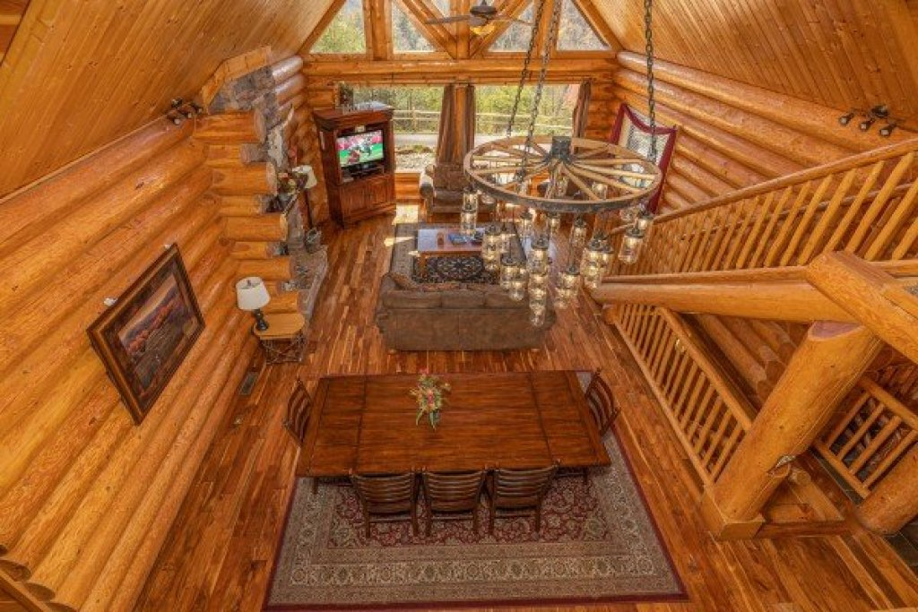 Photo of a Sevierville Cabin named God's Country - This is the twenty-first photo in the set.