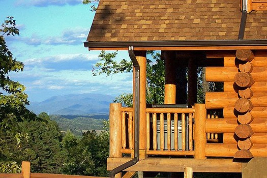 Photo of a Sevierville Cabin named God's Country - This is the fifty-second photo in the set.