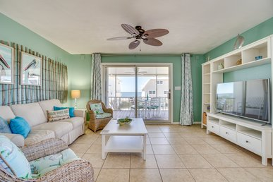 Lovely duplex home with gulf views and screened-in porch