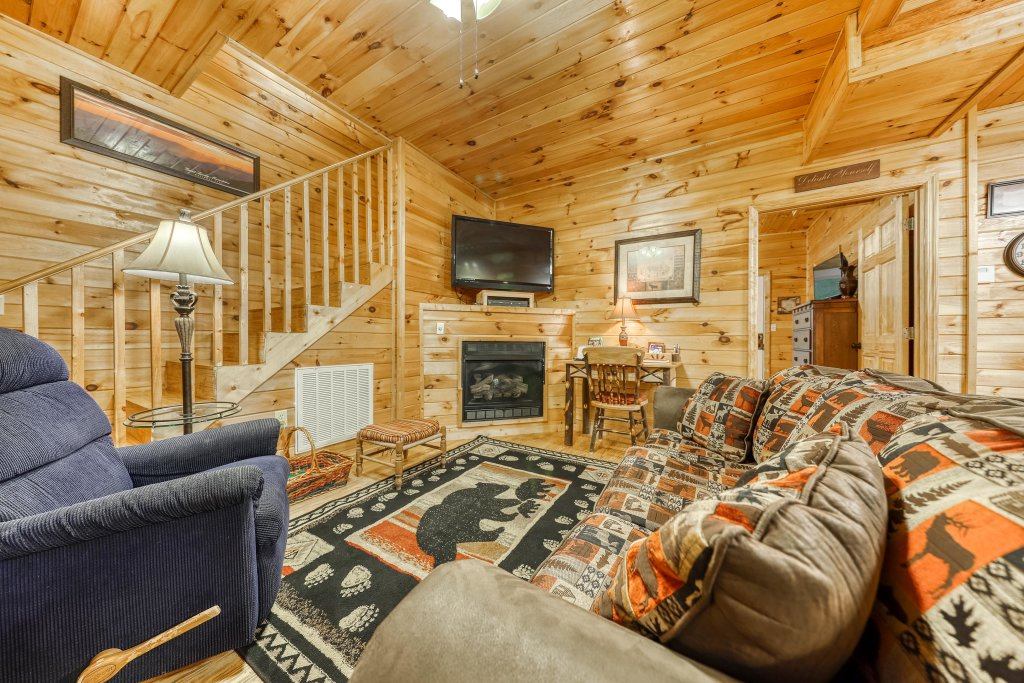 Photo of a Pigeon Forge Cabin named Dixie Delight Cabin - This is the fifth photo in the set.