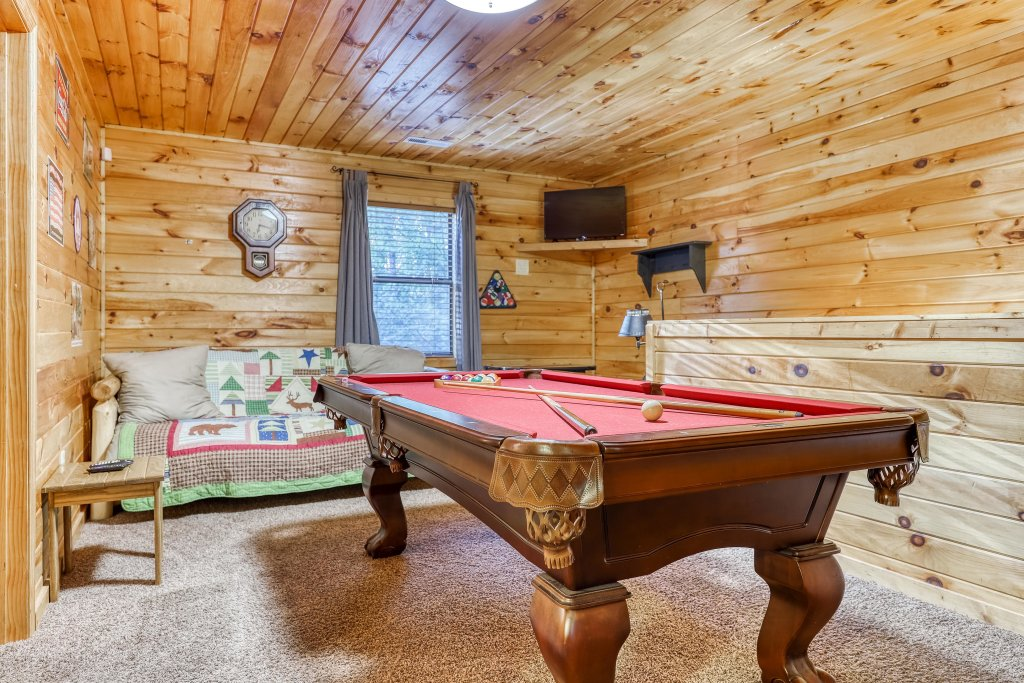 Photo of a Pigeon Forge Cabin named Dixie Delight Cabin - This is the fourteenth photo in the set.