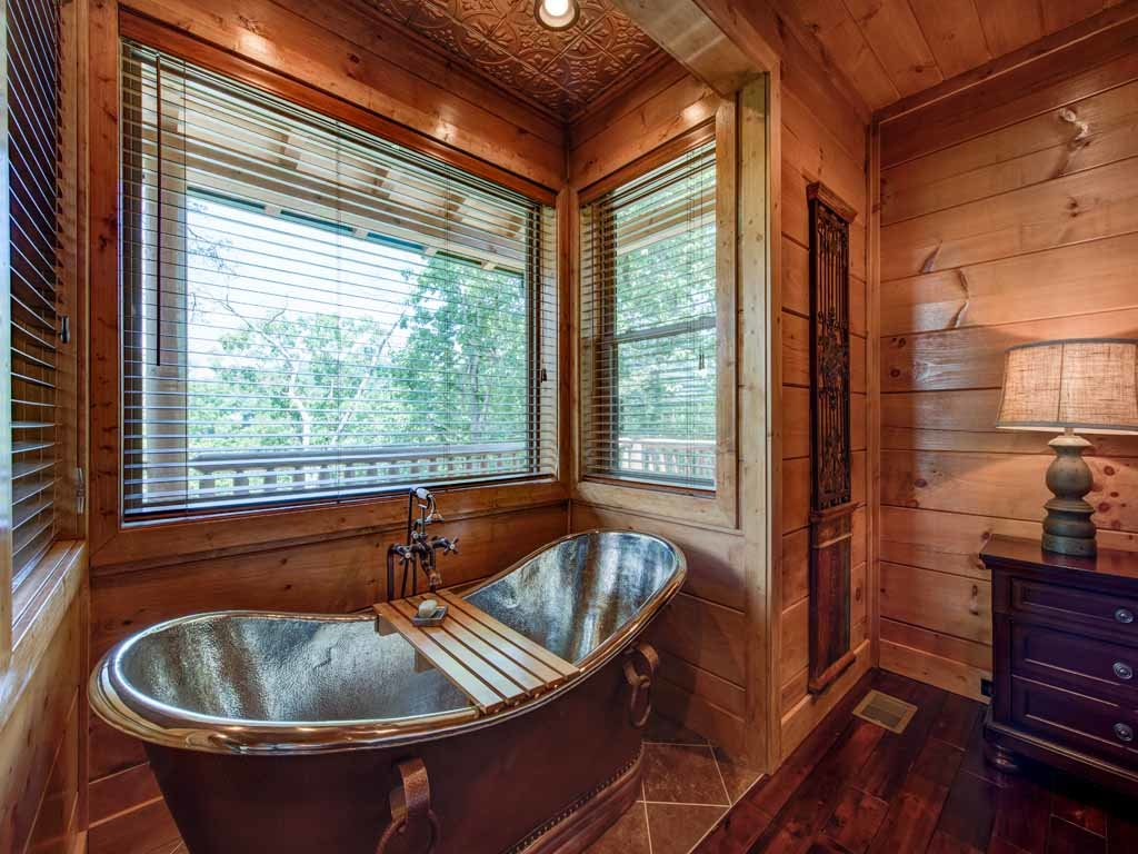 Photo of a Gatlinburg Cabin named Bear Elegance - This is the seventeenth photo in the set.