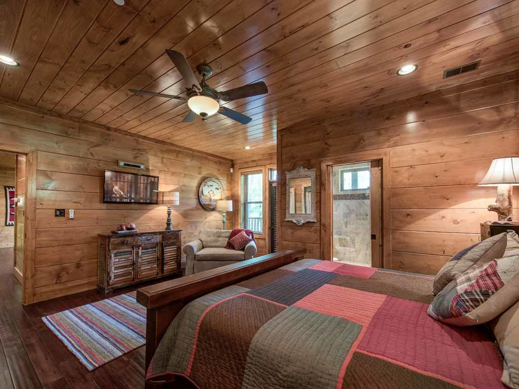 Photo of a Gatlinburg Cabin named Bear Elegance - This is the twenty-fifth photo in the set.