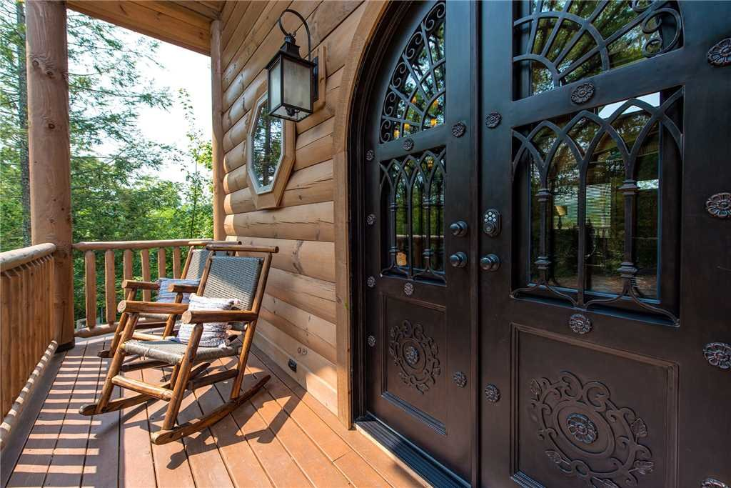 Photo of a Gatlinburg Cabin named Bear Elegance - This is the thirty-sixth photo in the set.