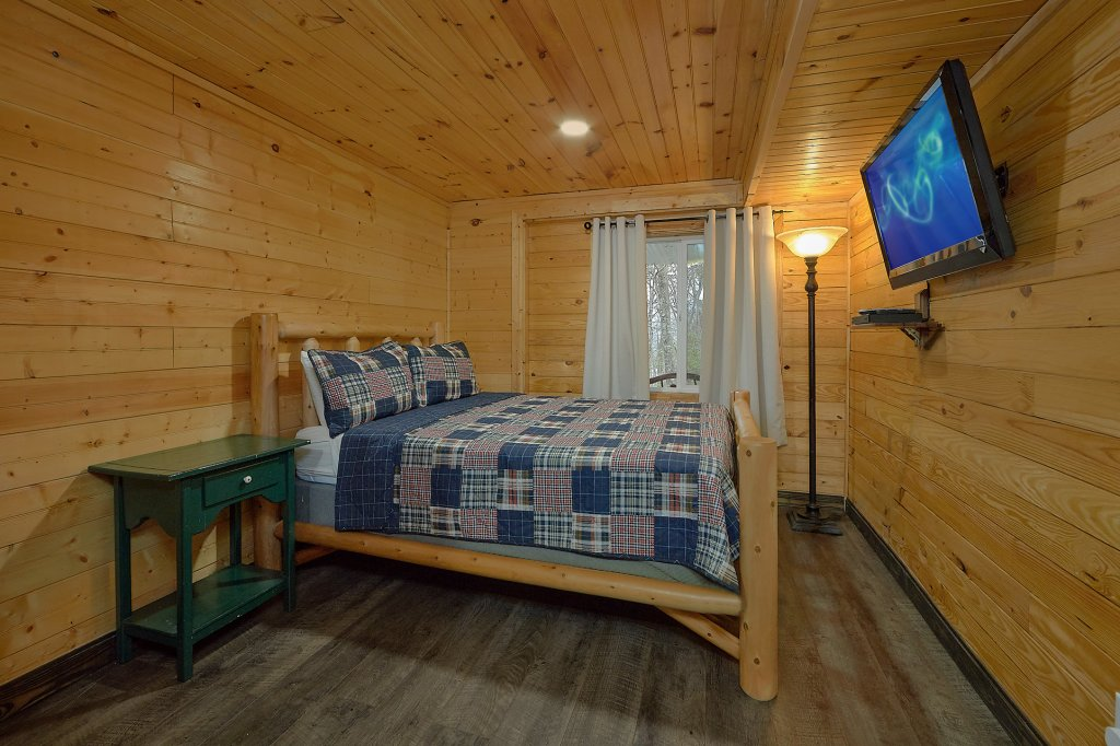 Photo of a Gatlinburg Cabin named The Swiminn Place - This is the thirty-first photo in the set.
