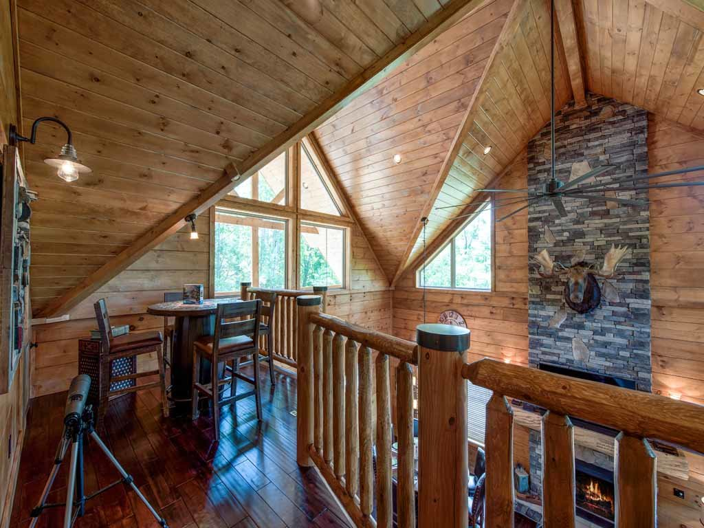 Photo of a Gatlinburg Cabin named Bear Elegance - This is the twenty-seventh photo in the set.