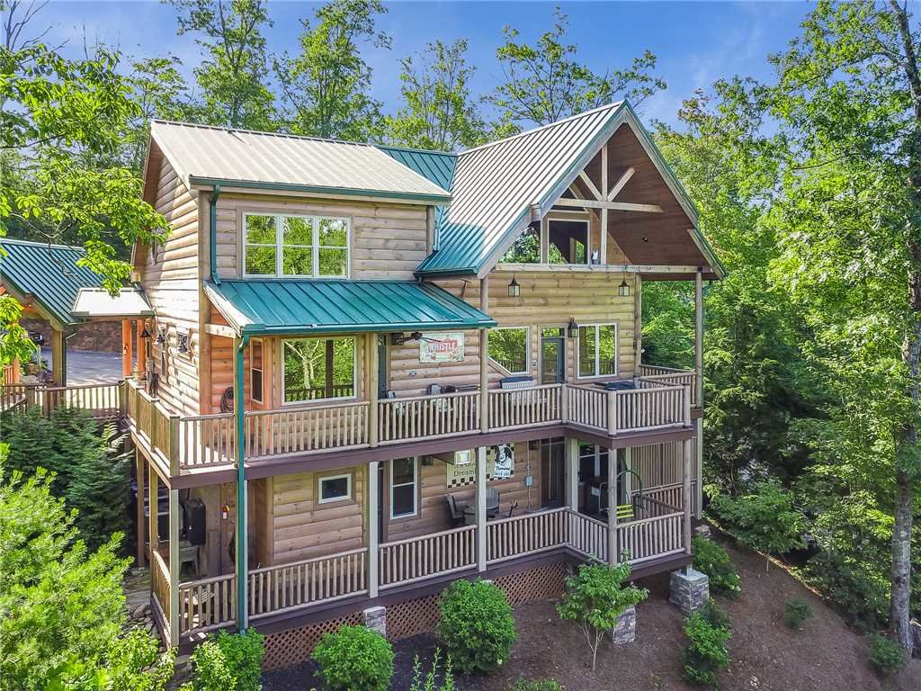 Photo of a Gatlinburg Cabin named Bear Elegance - This is the fortieth photo in the set.