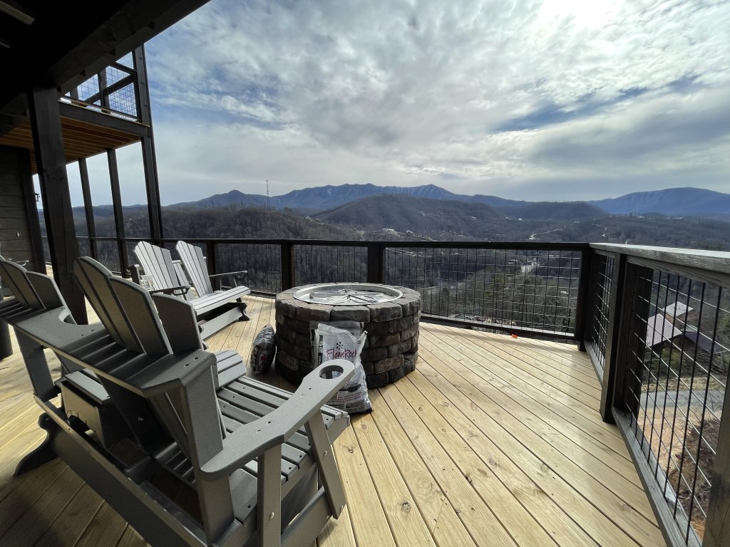Photo of a Gatlinburg Cabin named Love On The Horizon - This is the thirty-eighth photo in the set.