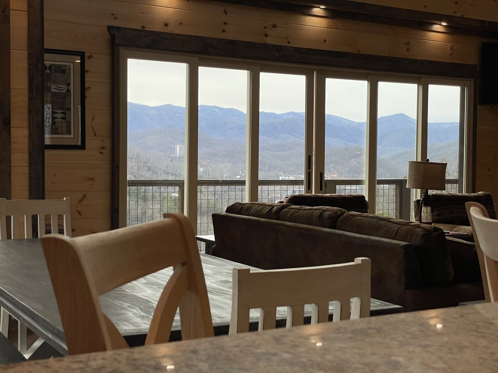 Photo of a Gatlinburg Cabin named Love On The Horizon - This is the sixty-second photo in the set.