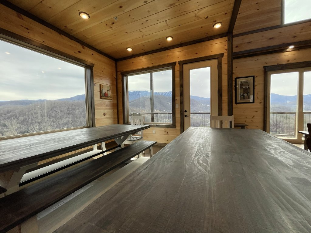 Photo of a Gatlinburg Cabin named Love On The Horizon - This is the sixty-third photo in the set.