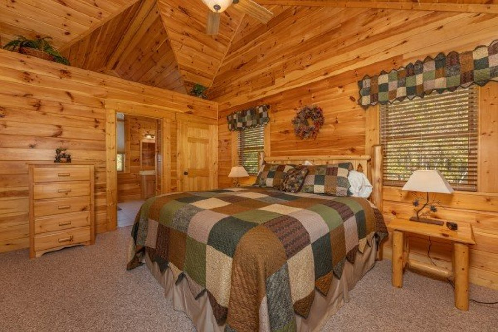 Photo of a Gatlinburg Cabin named Sensational Views - This is the twelfth photo in the set.