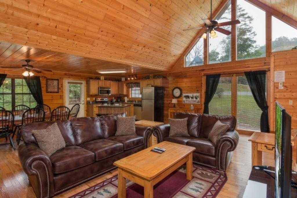 Photo of a Pigeon Forge Cabin named Family Ties Lodge - This is the second photo in the set.