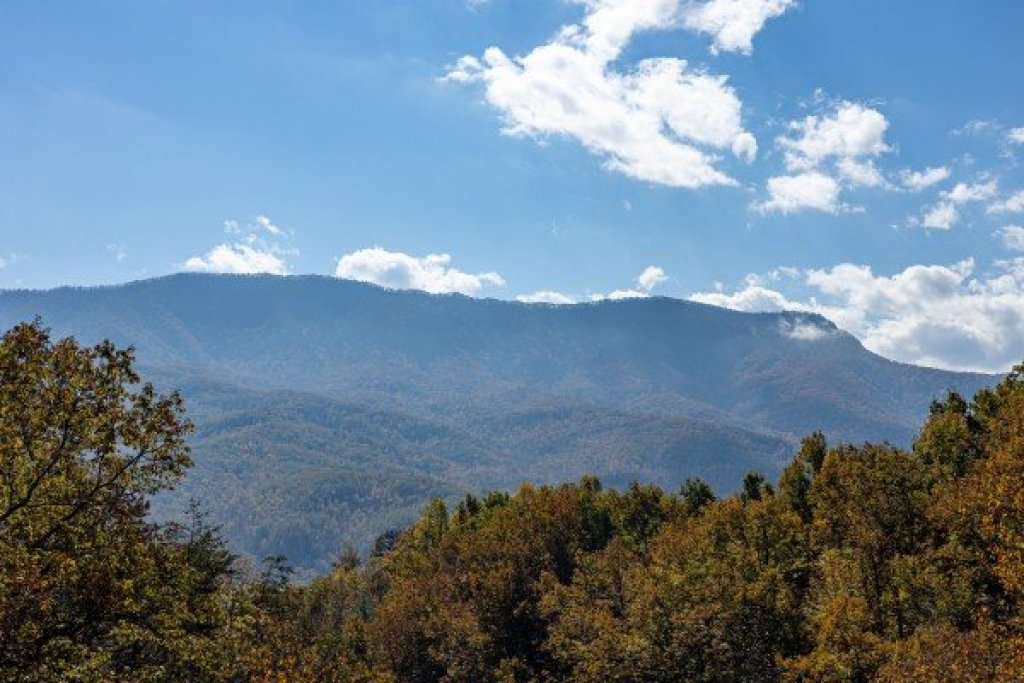 Photo of a Gatlinburg Cabin named Sensational Views - This is the nineteenth photo in the set.