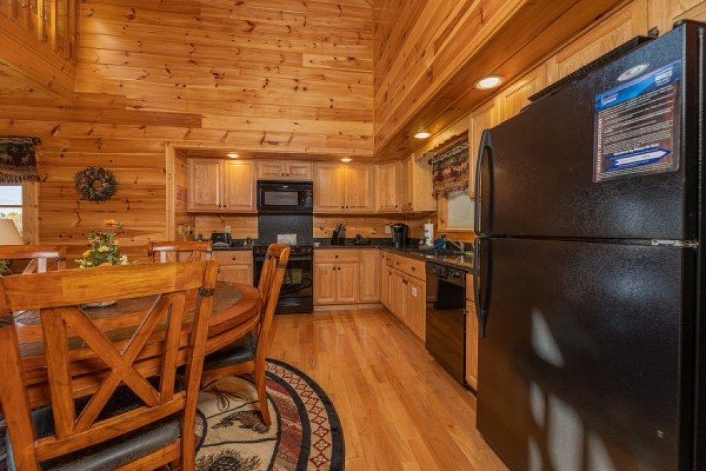 Photo of a Gatlinburg Cabin named Sensational Views - This is the sixth photo in the set.