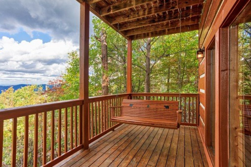 Photo of a Gatlinburg Cabin named Ella-vation - This is the twenty-sixth photo in the set.