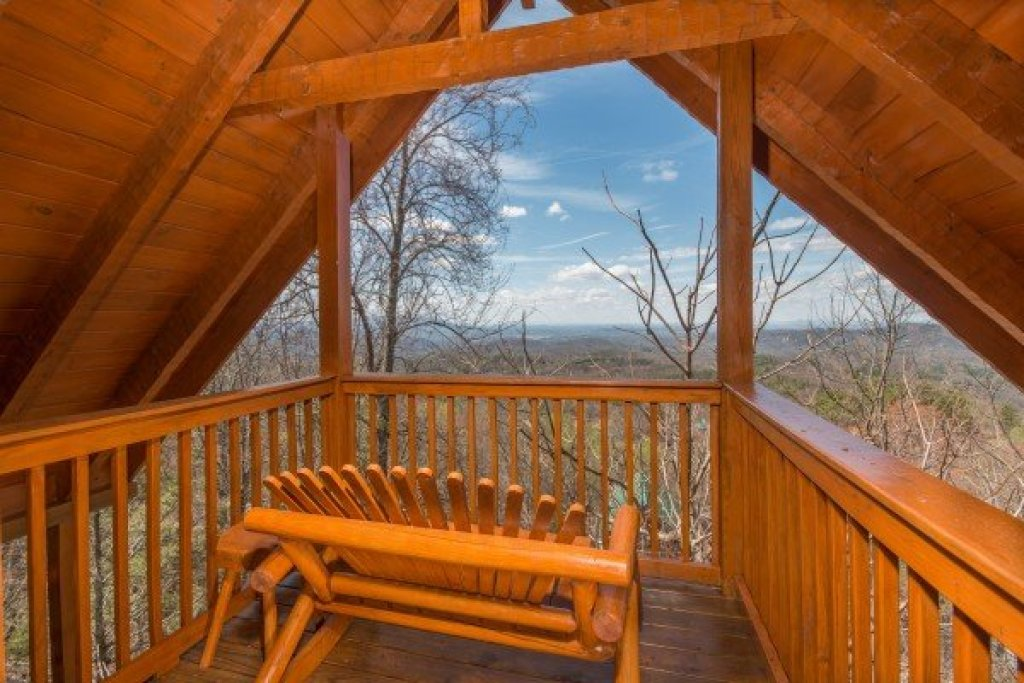 Photo of a Gatlinburg Cabin named Ella-vation - This is the twenty-second photo in the set.