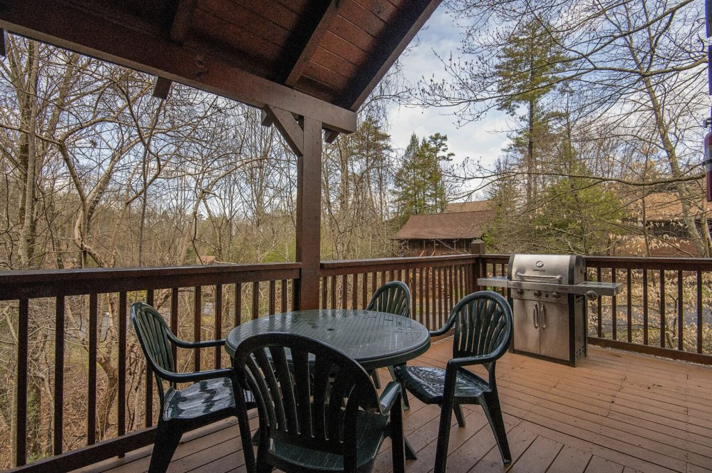 Photo of a Pigeon Forge Cabin named  Savage Loft (was Sweet Serenity) - This is the twenty-fifth photo in the set.