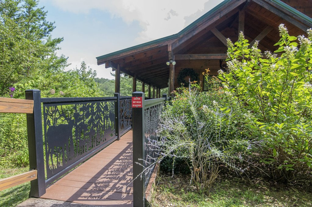 Photo of a Sevierville Cabin named Hillside Retreat - This is the thirty-third photo in the set.