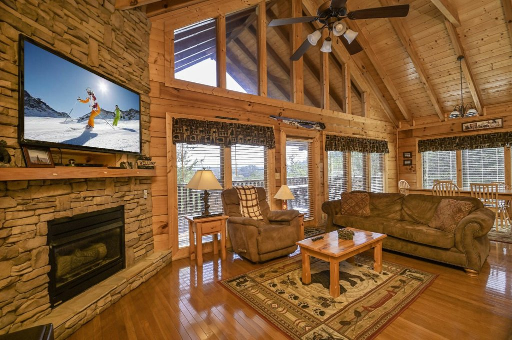 Photo of a Sevierville Cabin named Hillside Retreat - This is the second photo in the set.