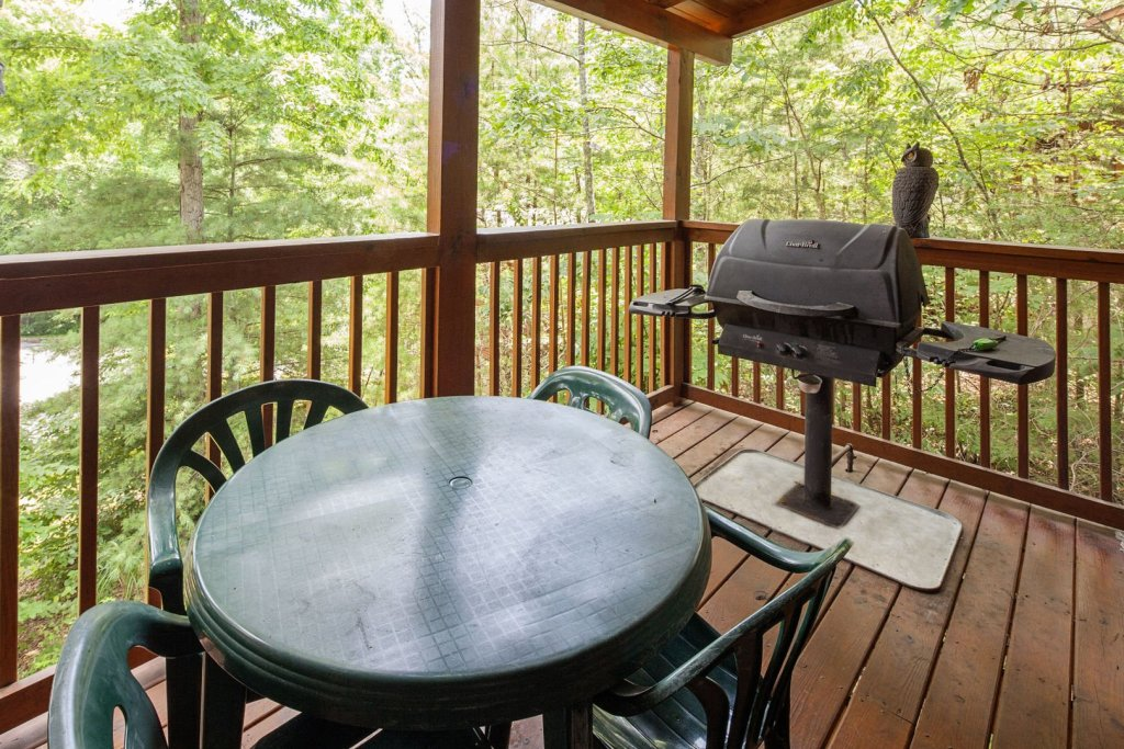 Photo of a Pigeon Forge Cabin named  Eagles Point - This is the twenty-third photo in the set.