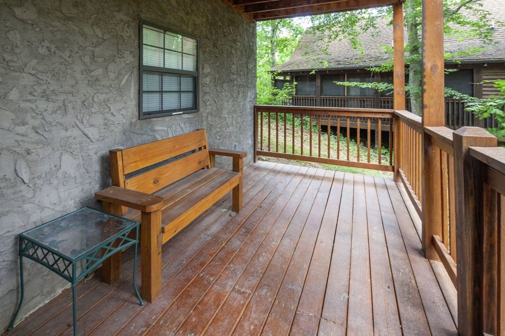 Photo of a Pigeon Forge Cabin named  Eagles Point - This is the twenty-fifth photo in the set.