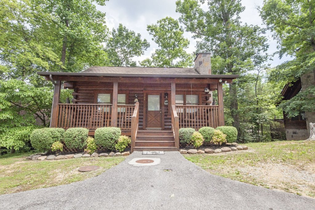Photo of a Pigeon Forge Cabin named  Eagles Point - This is the eighteenth photo in the set.