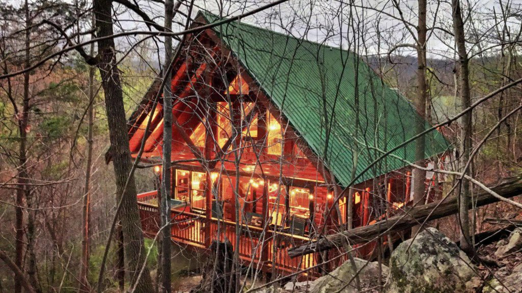 Photo of a Pigeon Forge Cabin named Sunrise To Stardust - This is the twenty-ninth photo in the set.