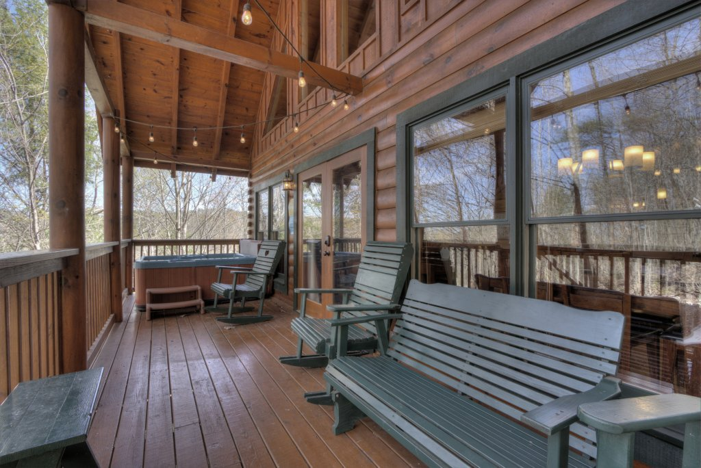 Photo of a Pigeon Forge Cabin named Sunrise To Stardust - This is the fifth photo in the set.
