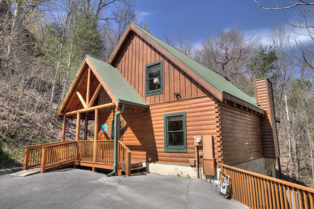 Photo of a Pigeon Forge Cabin named Sunrise To Stardust - This is the first photo in the set.