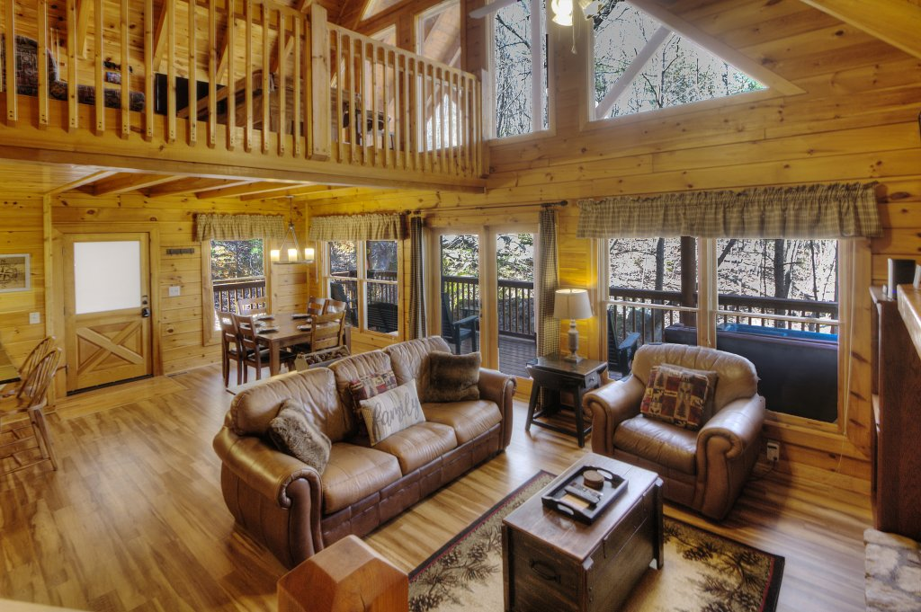 Photo of a Pigeon Forge Cabin named Sunrise To Stardust - This is the fourth photo in the set.