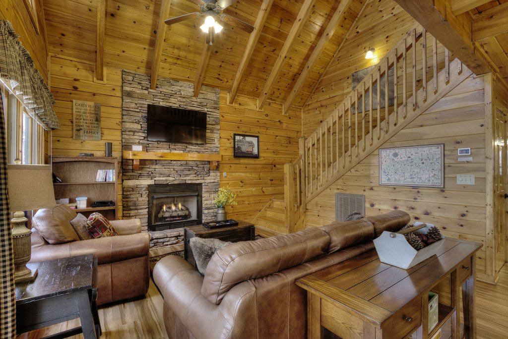 Photo of a Pigeon Forge Cabin named Sunrise To Stardust - This is the eighth photo in the set.