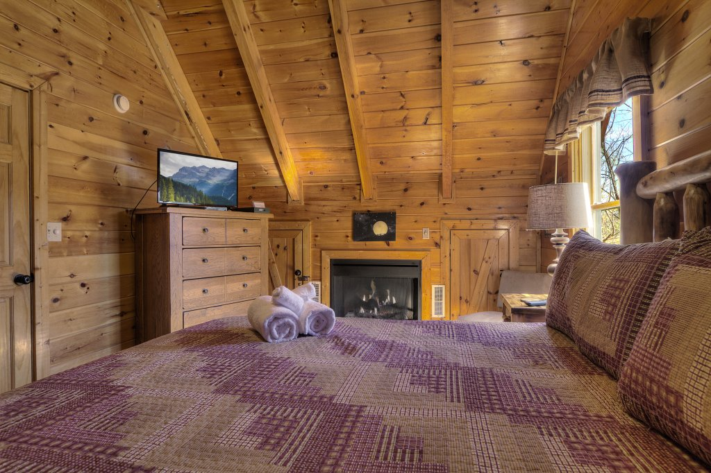 Photo of a Pigeon Forge Cabin named Sunrise To Stardust - This is the twenty-seventh photo in the set.
