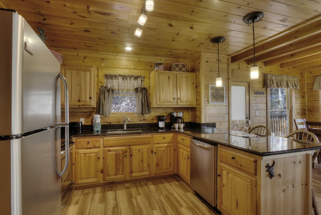 Photo of a Pigeon Forge Cabin named Sunrise To Stardust - This is the fourteenth photo in the set.