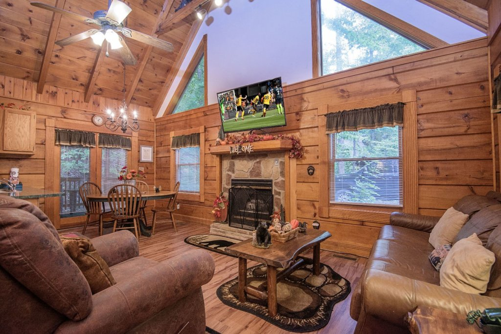 Photo of a Pigeon Forge Cabin named  Natures Grace Retreat - This is the second photo in the set.